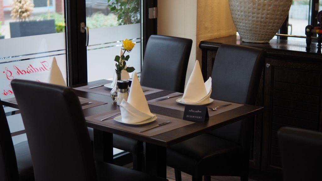 Reservierter Tisch im Restaurant Prinz Buer
