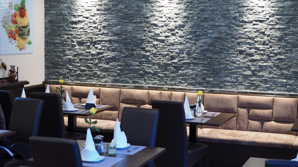 Gemütliche Sitzecke im Restaurant Prinz Buer